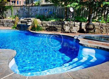 Weekly and biweekly pool maintenance services